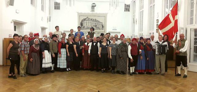 Folklore-Besuch aus Dänemark